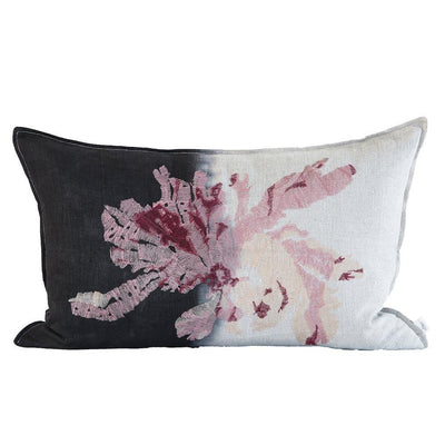 EVOLUTION PRODUCT USA NEW YORK NITIPHYLLUM EMBROIDERED CHARCOAL THROW PILLOW