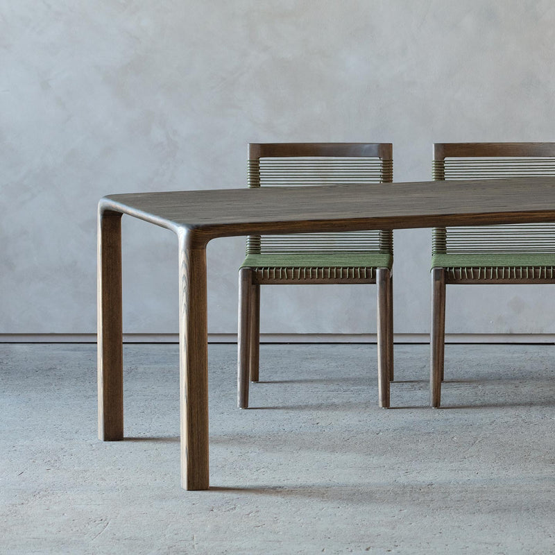FLO DINING TABLE