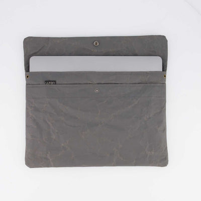 Wren_Grey_13laptopsleeve_open_webres.jpg