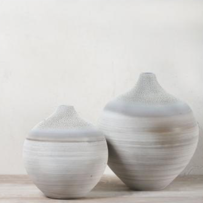 ONION VASE by Prêt à Pot at SARZA. ceramics, Decor, homeware, onion, Prêt à Pot, Vases