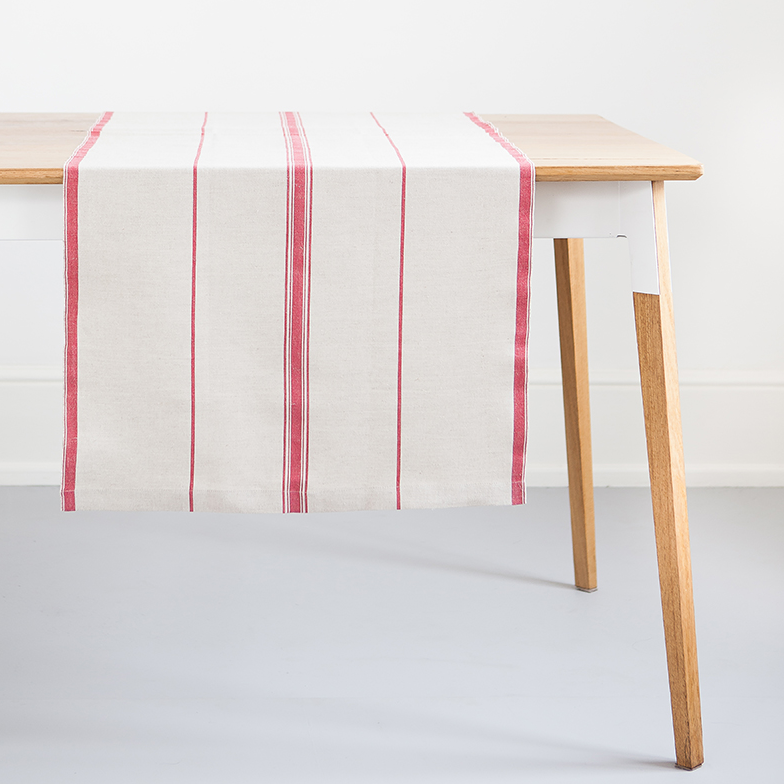 RED LISBURN LINEN TABLE RUNNER