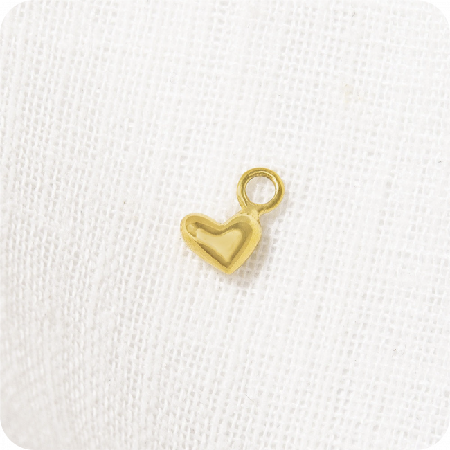 SINGLE HUGGIE EARRING CHARM LUCKY IN LOVE by Kirsten Goss at SARZA. charm, earrings, Huggies, jewellery, jewelry, Kirsten goss, Lucky in love