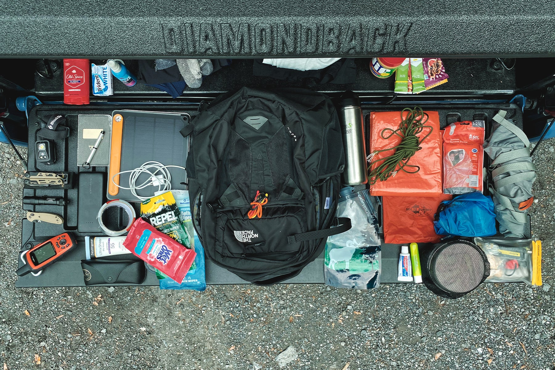 bug out bag with ten essentials