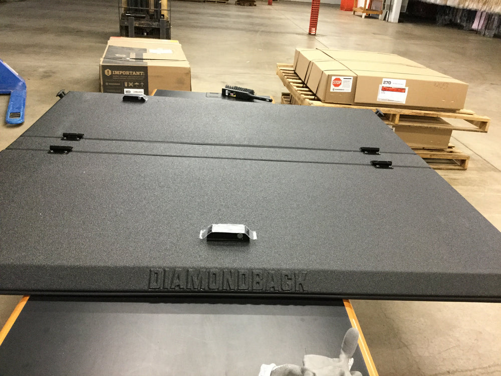 Outlet Smooth Black DiamondBack SE - fits '15-up Ford F-150 5.5' Box
