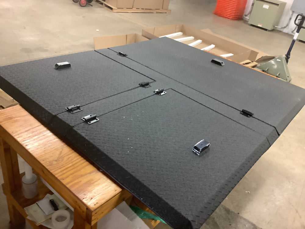 Outlet Black DiamondBack 270 - fits '14-up Toyota Tundra Standard (~6.5') Bed w/Deck Rail System