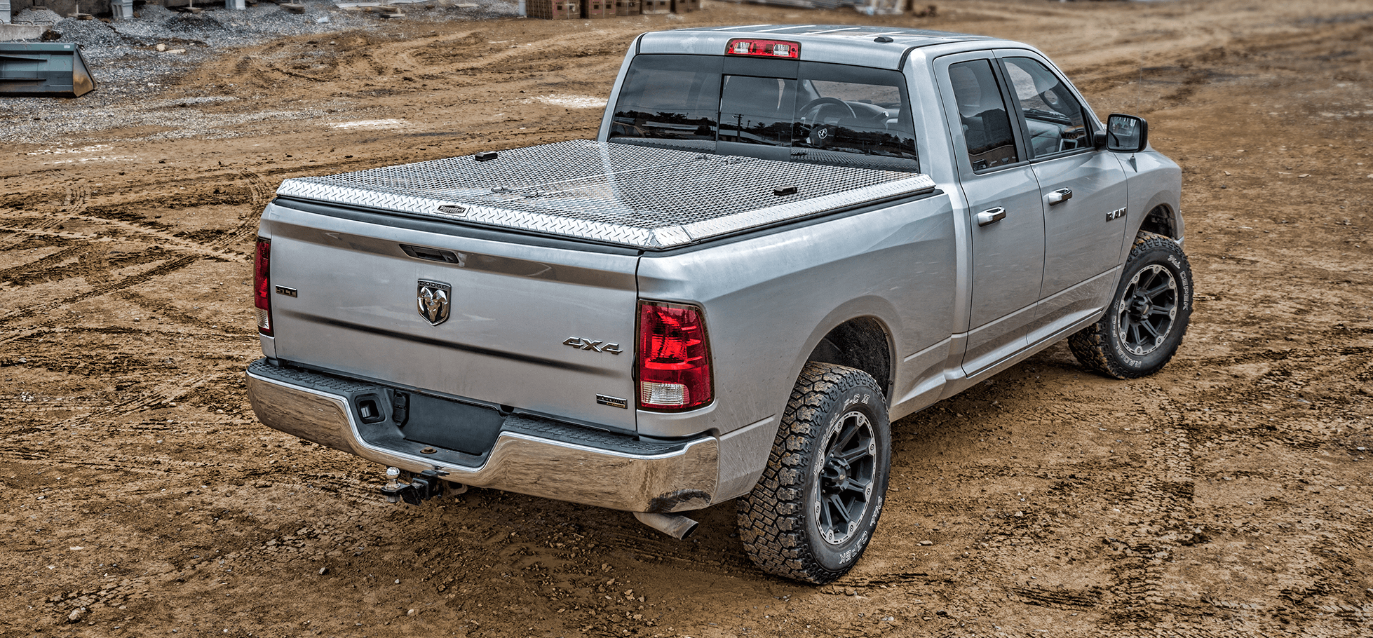 180 aluminum tonneau cover at construction site