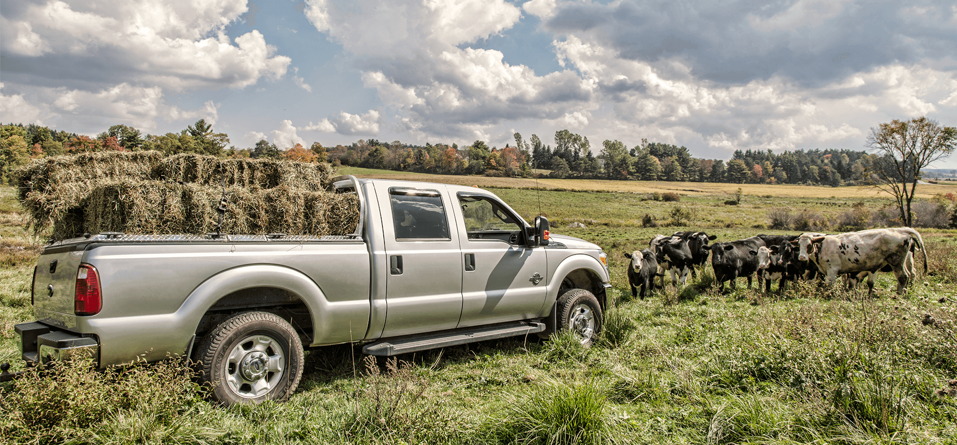HD diamond plate bed cover on ford super duty farming