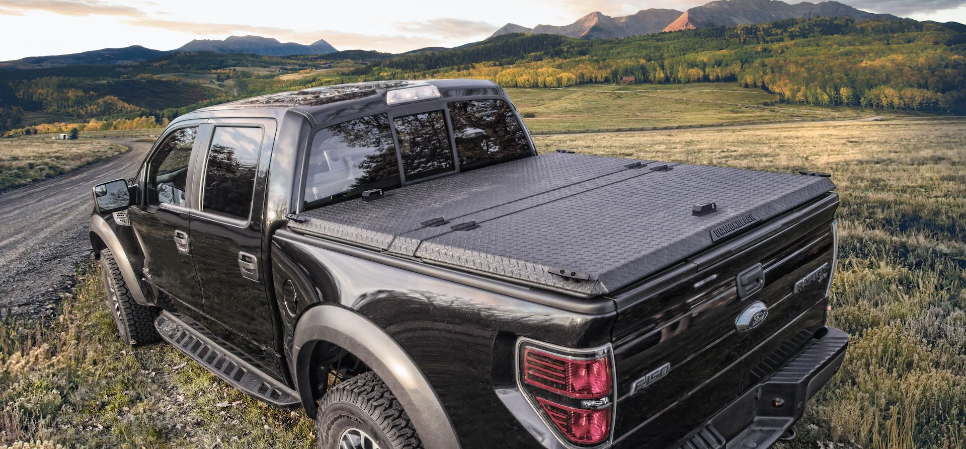 DiamondBack SE rugged metal bed cover on Ford F-150 Raptor