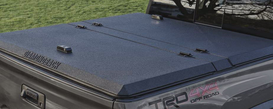 Smooth Black DiamondBack SE truck cover on Toyota Tacoma