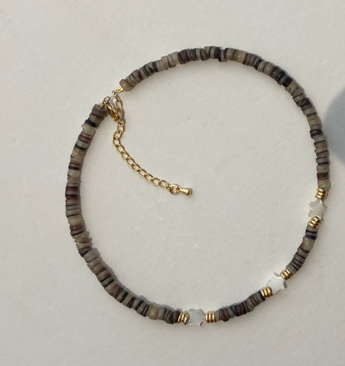 HIJA DE PUKA Brown and White Necklace