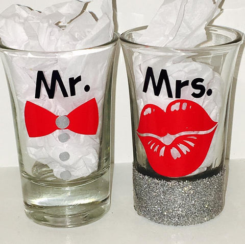 Mr and Mrs Couple Shot Glasses Set Of 2