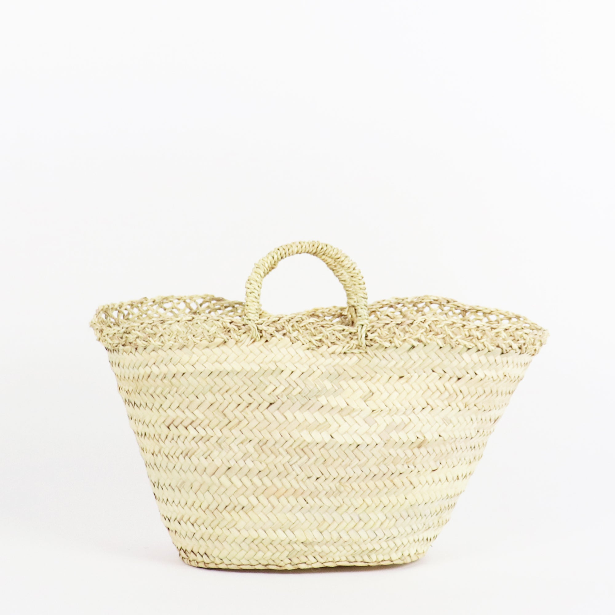 sustainable straw handbag