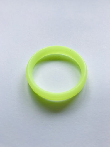 A FREE Yellow Glow In The Dark Spinner Ring with every order!