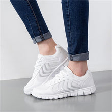 Breathable Mesh Walking Shoes