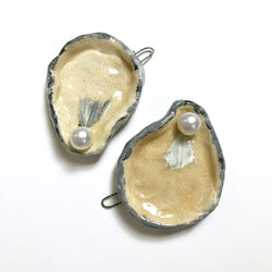 Ornament: Oyster