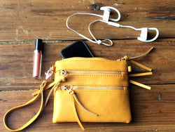 Hey Pretty Crossbody/Wristlet Zipper Bag