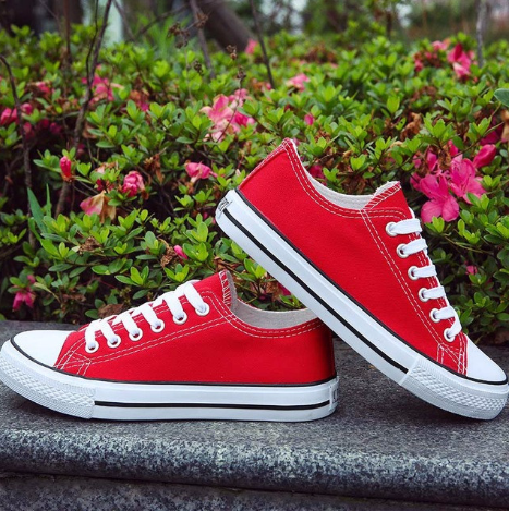 chuck taylor red