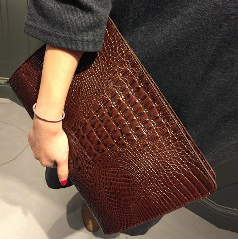 Hot crocodile envelope clutch bag - On Trends Avenue