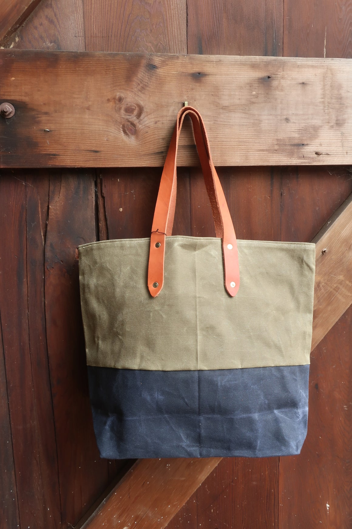 """Theo"" Farm Bag (Navy and Army Waxed Canvas With Tan Leather Straps"
