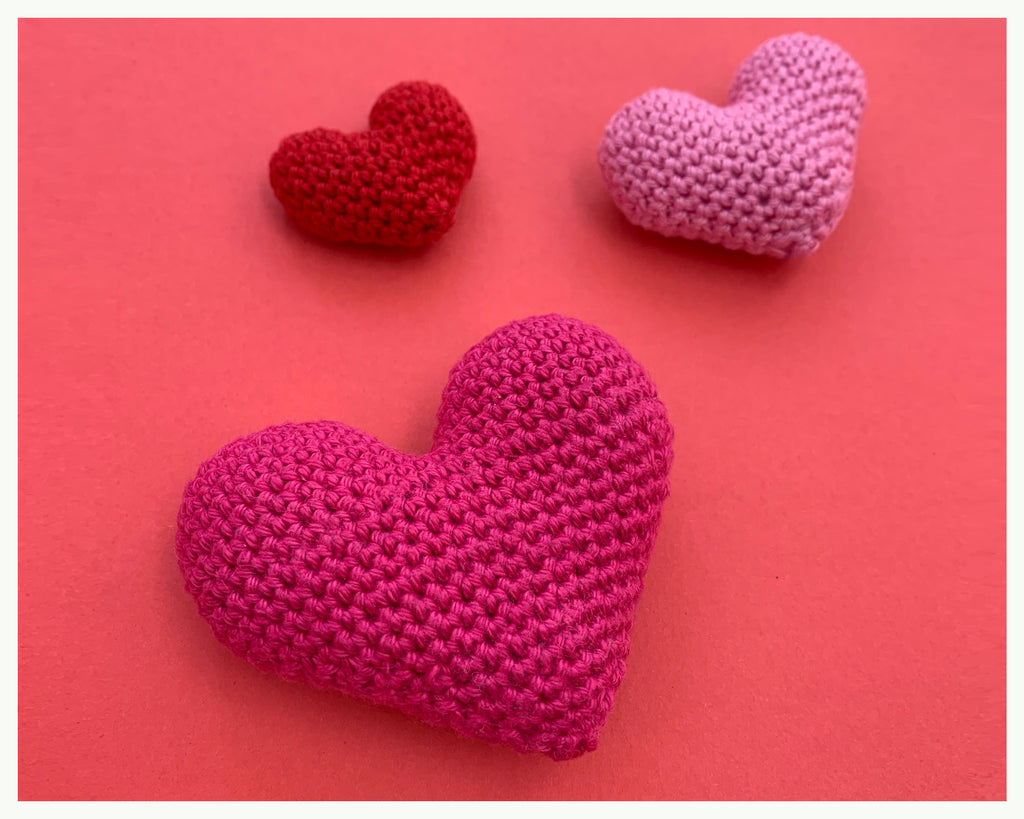 Three little hearts pattern - FREE