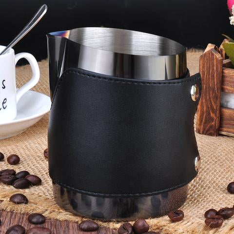 HANDLE FREE MILK JUG BLACK 450ML - Shot