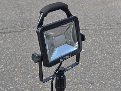 Faithfull 20W Single Tripod Site Light 1800 Lumen (230v)