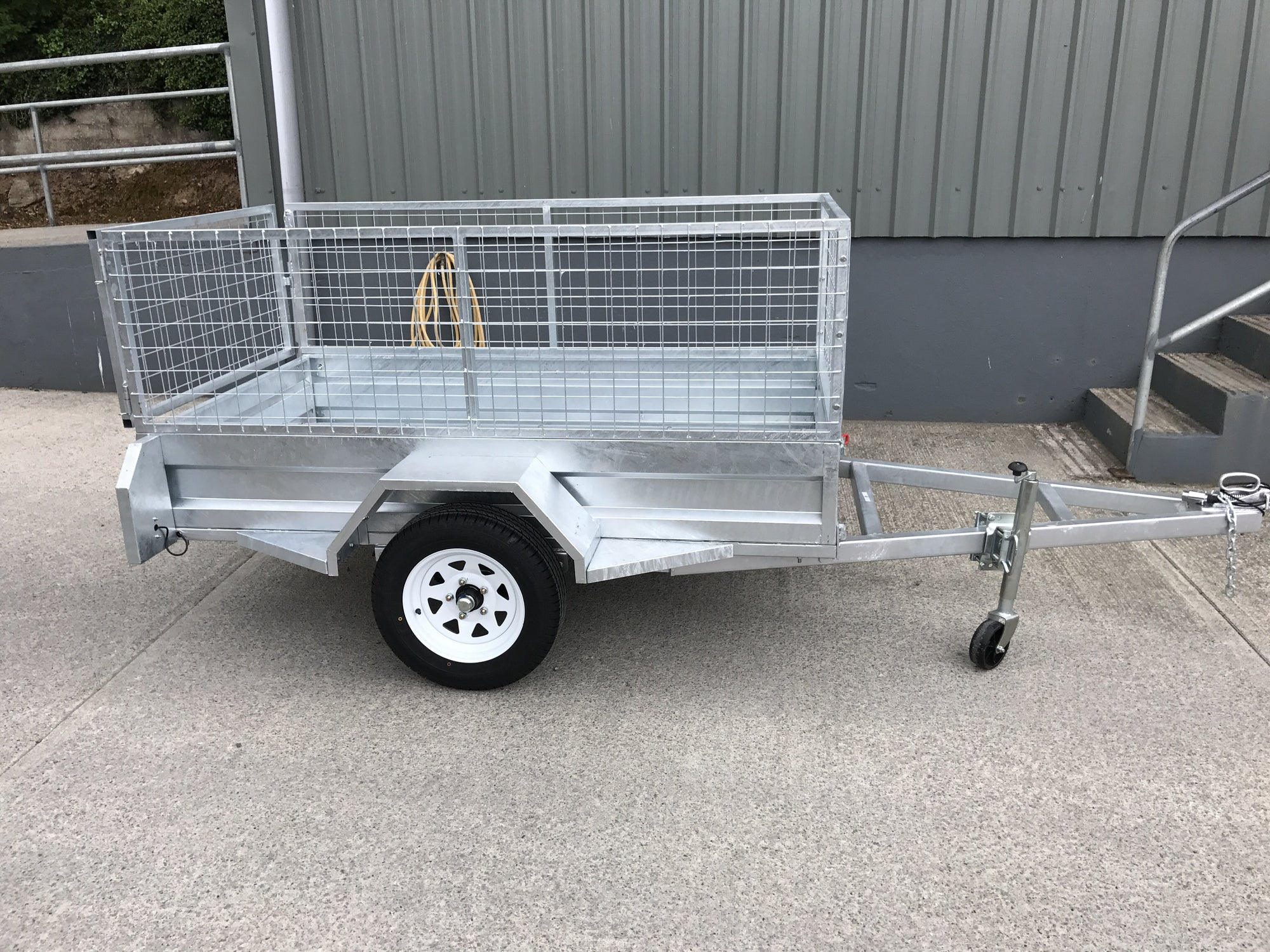 7 x 4 Galvanised Single Axle Trailer with Bradley Hitch