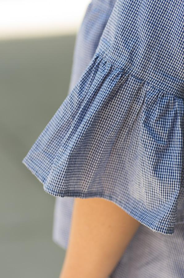 gingham blouse with back buttons tampa fl- Vêtue Boutique Lithia FL USA. Women's boutique for great quality unique, fun, trendy and stylish clothing and accessories at amazing prices.  Let us dress you!