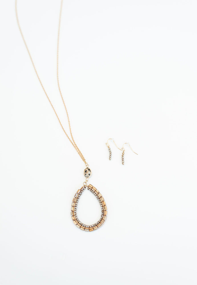 gold finish necklace with rose gold teardrop detail and drop earrings vetue Boutique tampa saint Petersburg florida online clothing accessories casual stylish contemporary fashion store