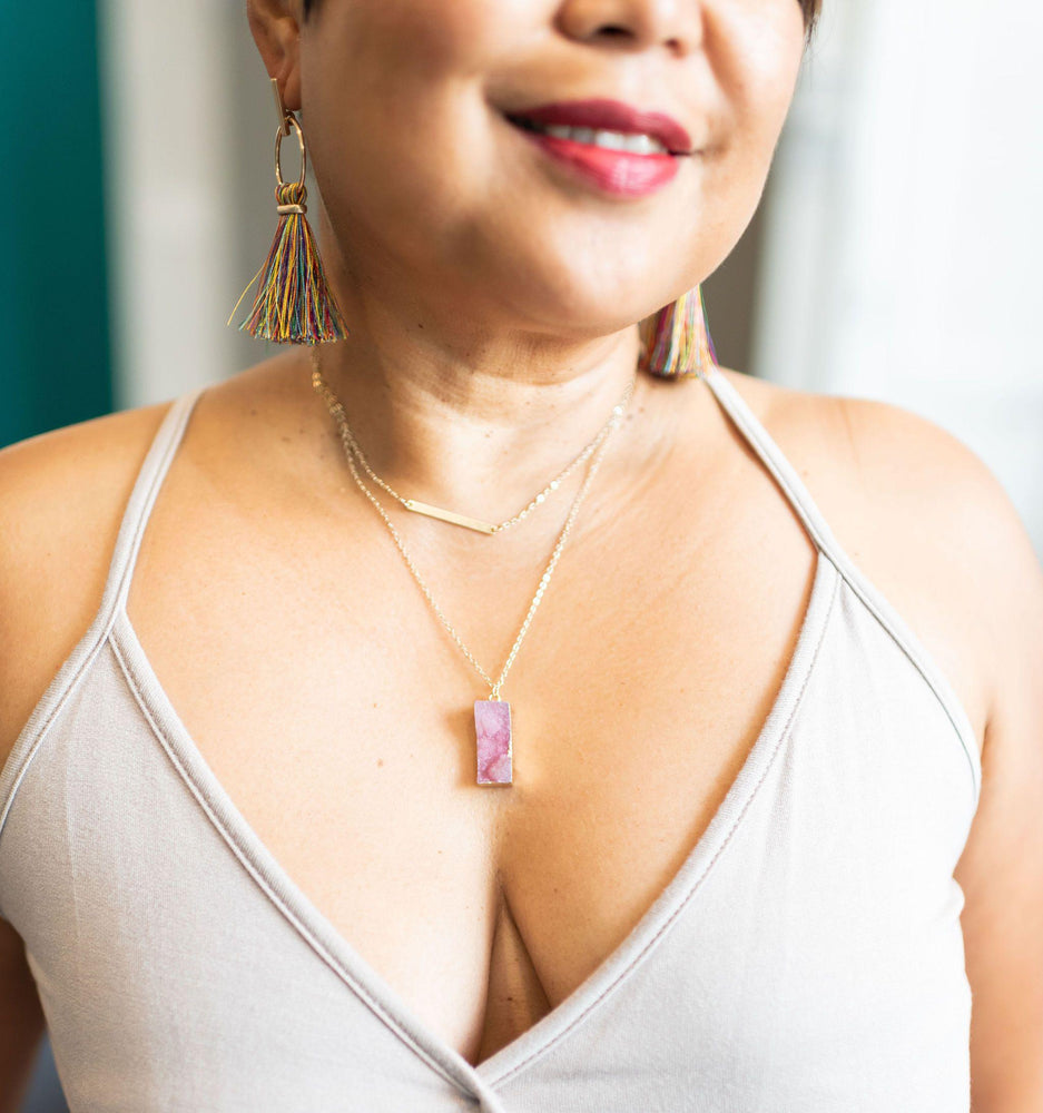 two layer necklace with bar and natural stone vetue Boutique tampa saint Petersburg florida online clothing accessories casual stylish contemporary fashion store