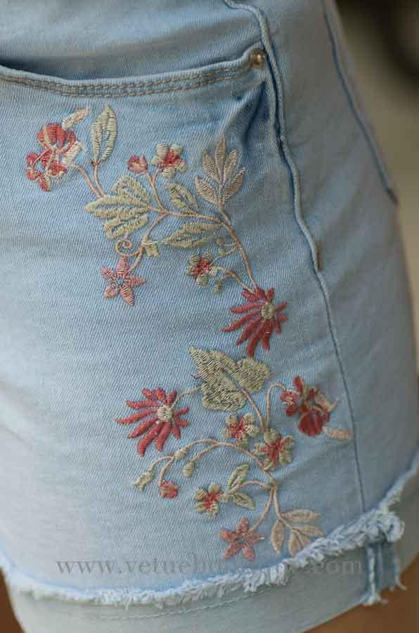 Light wash embroidered jean shorts-Vêtue Boutique FL USA. Women's boutique for great quality fun, laid back chic and stylish clothing and accessories. Let us dress you!