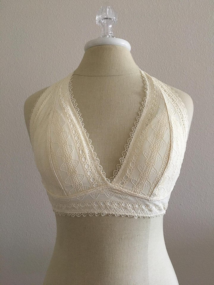 v-neck lace bralette available online at vetue boutique