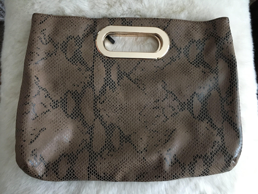 SAVANNAH faux leather snake skin clutch