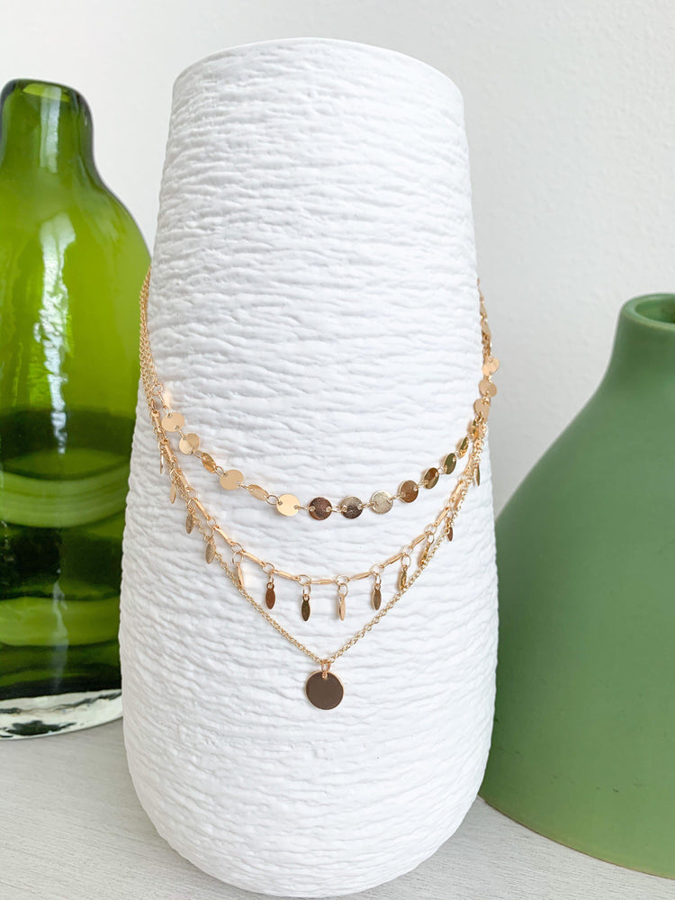 3 layer circle bar necklace available online at vetue boutique