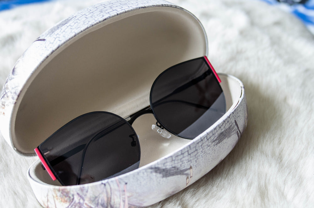 square-cat-eye-sunglasses-mirror-dark-lens-case-uv-protection-polycarbonate-vetue-Boutique-tampa-st-petersburg-florida-online-clothing-accessories-trendy-stylish-contemporary-fashion-forward