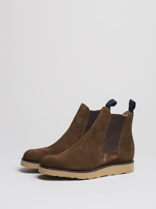Capital Goods by Sanders Chelsea Boot, Chocolate Suede