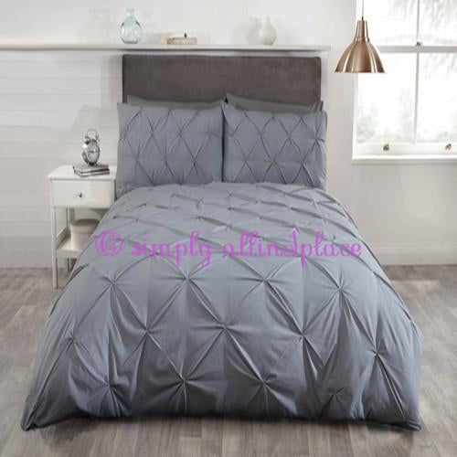Balmoral Duvet Set - Stock Item
