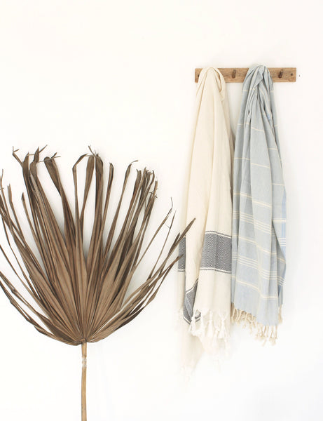 Hammam Peştamal Turkish Towel / WAVY // Natural with Black Stripe