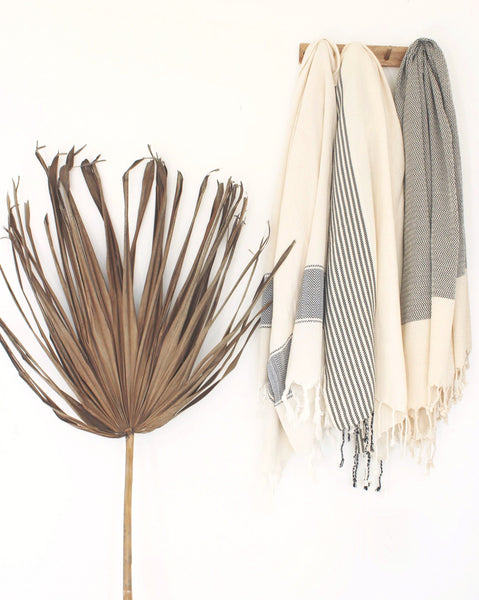 Hammam Peştamal Turkish Towel // Natural With Black Stripe