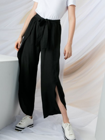 Ruffle pant with slit