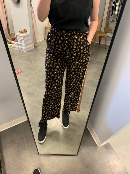 leopard pull on contrast pant