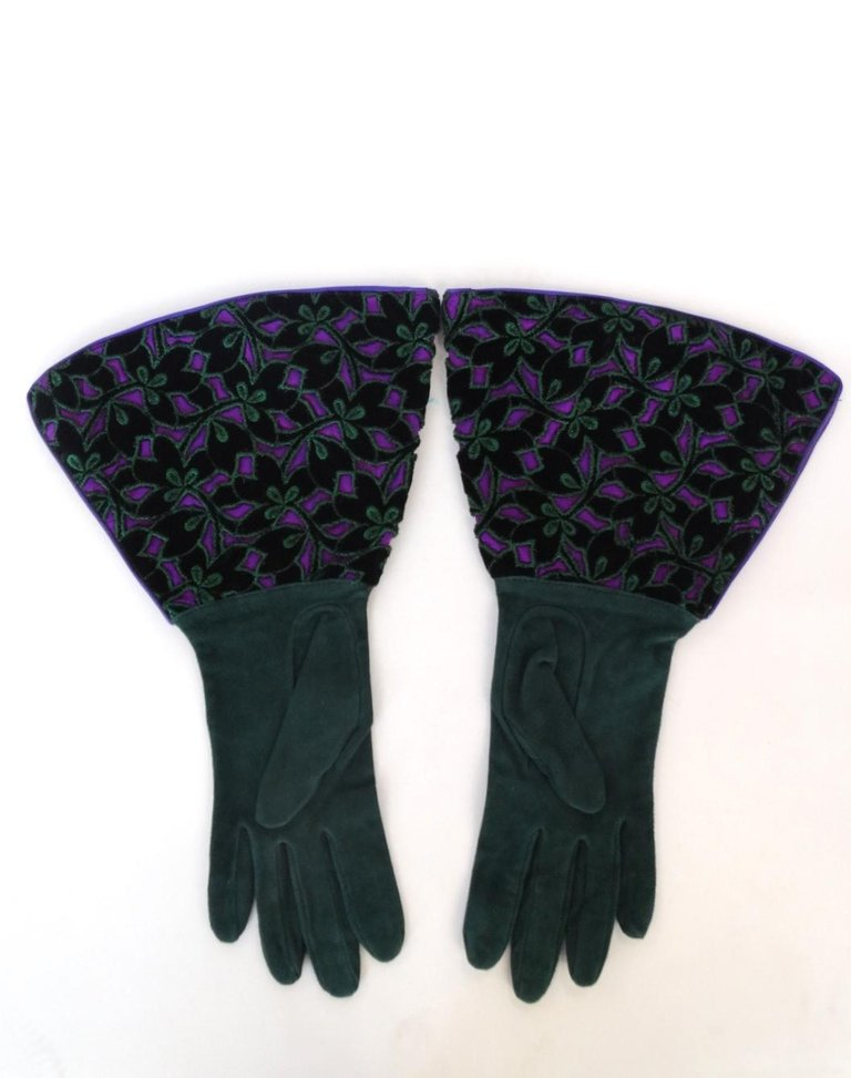 1980s Isabel Canovas Gauntlet Gloves with Cut Out Floral Motif