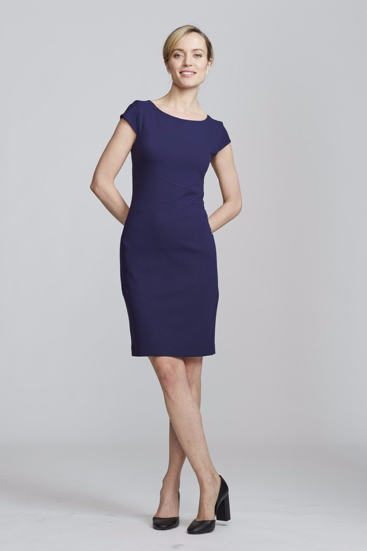 Women's Verana Dress in Navy | Nora Gardner