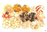 15 Single Bead Cluster Clip-on Earrings Vintage Jewelry Lot*Parts*Crafts* F418