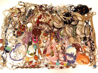 117pcs Huge Fashion Jewelry Lot of Mostly Necklaces & Bracelets*5lbs*Pounds*E714 - Jewel Eureka