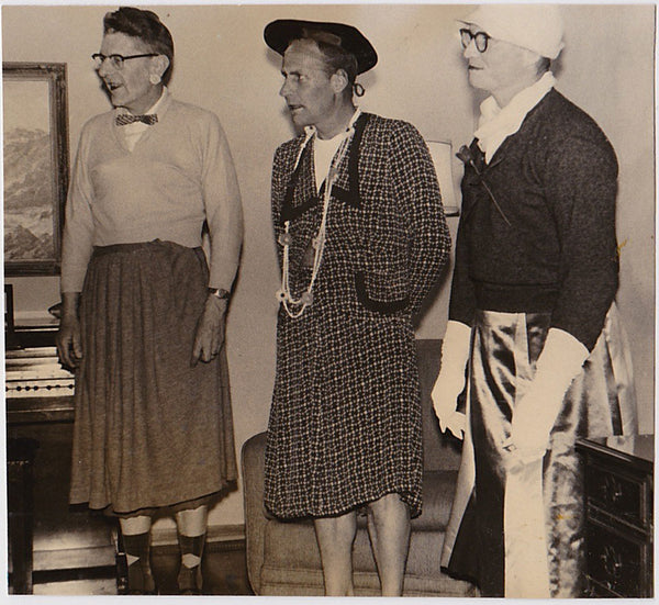 Transvestites at Home cross dressers vintage photo