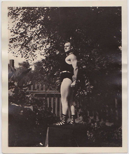 Vintage strongman photo Esplen