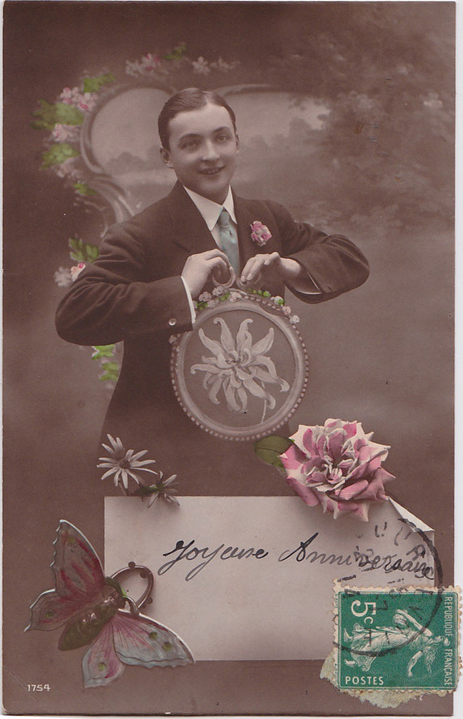 Vintage French Postcard: Happy Birthday
