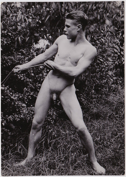 Anonymous Male Nude Pulling Rope