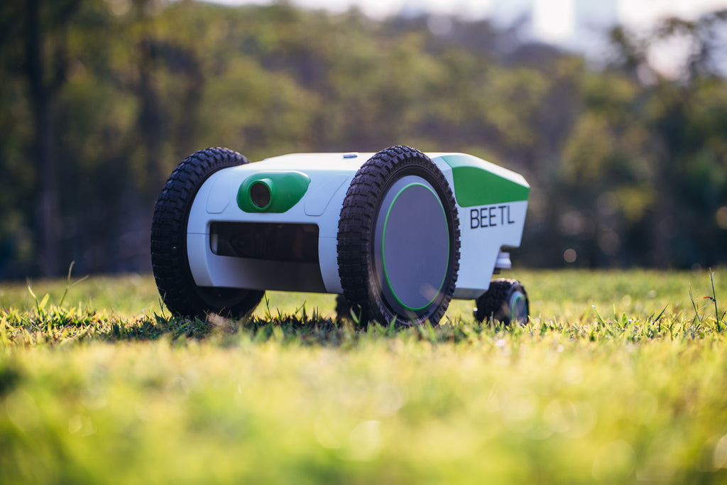 Beetl lawn robot automatically picks up dog poop, and wants to analyze it too